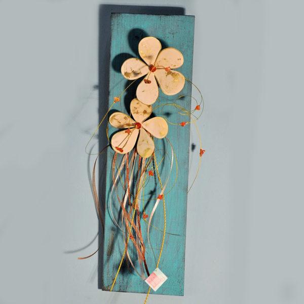 Χειροποίητα Λουλούδια Μπρούντζινα Δίχρωμα Σε Ξύλινο Καδράκι Μπλε 12x40