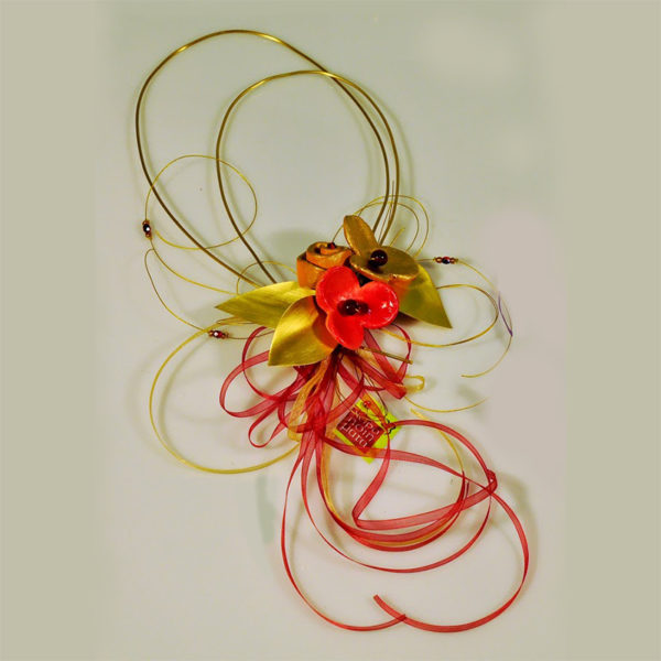 Χειροποίητη Σύνθεση Σε Μπρούντζινη Θηλιά Με Κόκκινα Χρυσά Κεραμικά Άνθη