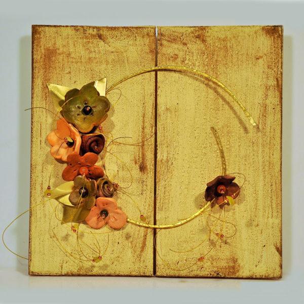 Χειροποίητο Μπρούντζινο Στεφάνι Με Κεραμικά Άνθη Σε Ξύλινο Κάδρο Με Παλαίωση 24x24