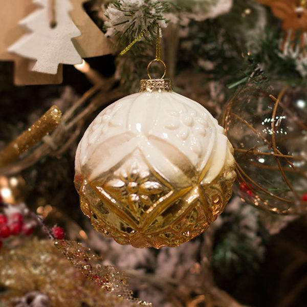Χριστουγεννιάτικη Γυάλινη Μπάλα Λευκό/ Χρυσό, Ανάγλυφη 8cm, Σετ Των 2